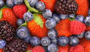 10667-bright-coloured-berries-sugar-in-fruit_article_new